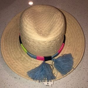 Straw hat neon detail